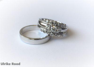 Witgoud trouwringen met diamant